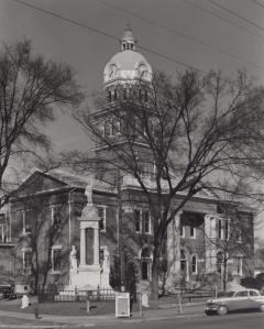 lowndes-county-courthouse-1950s