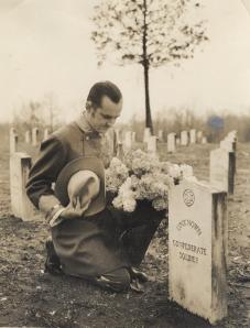 Pilgrimage_man_by_grave1940s